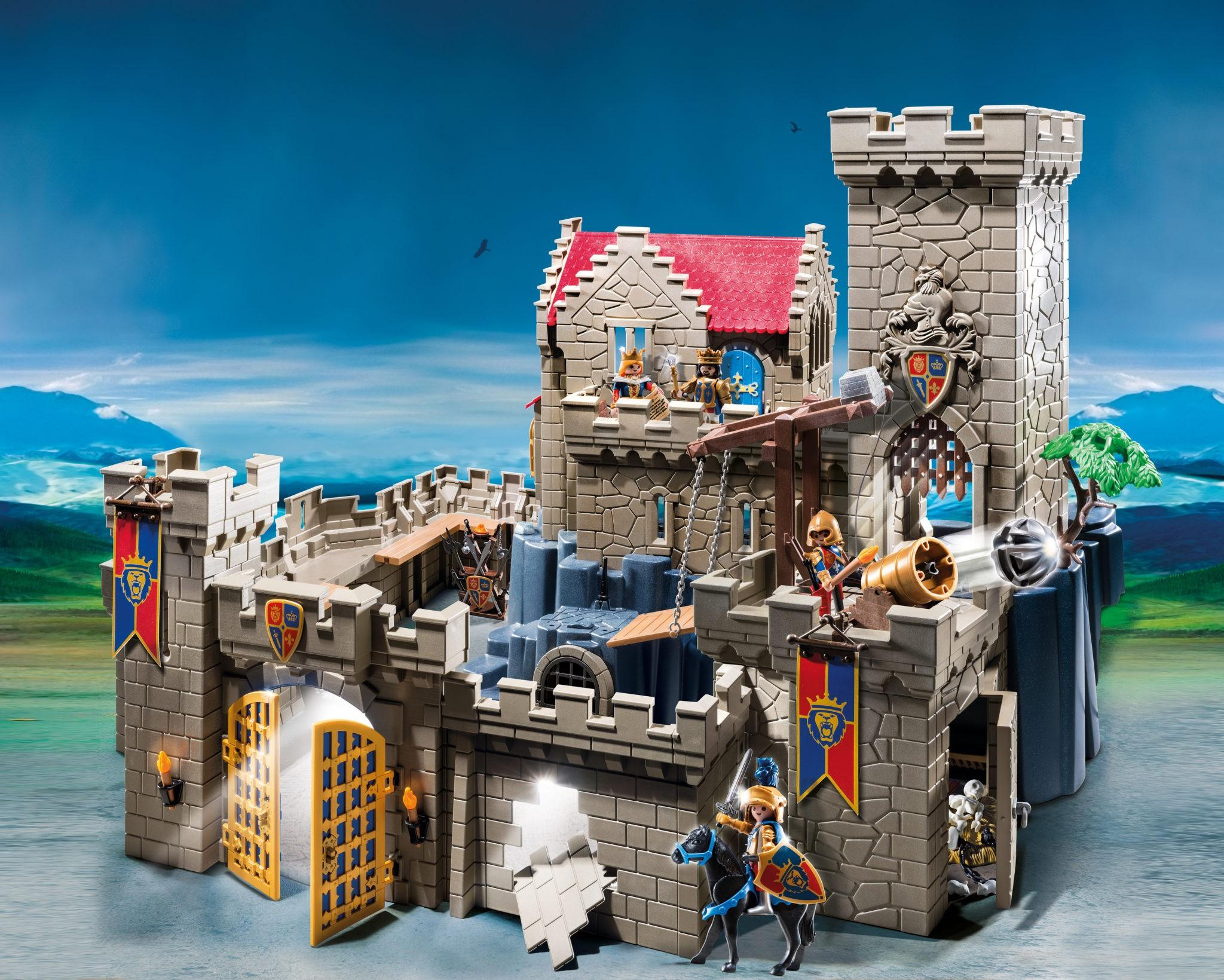 Visit the Minnesota Renaissance Festival & See PLAYMOBIL's new playset! (+ a giveaway!)