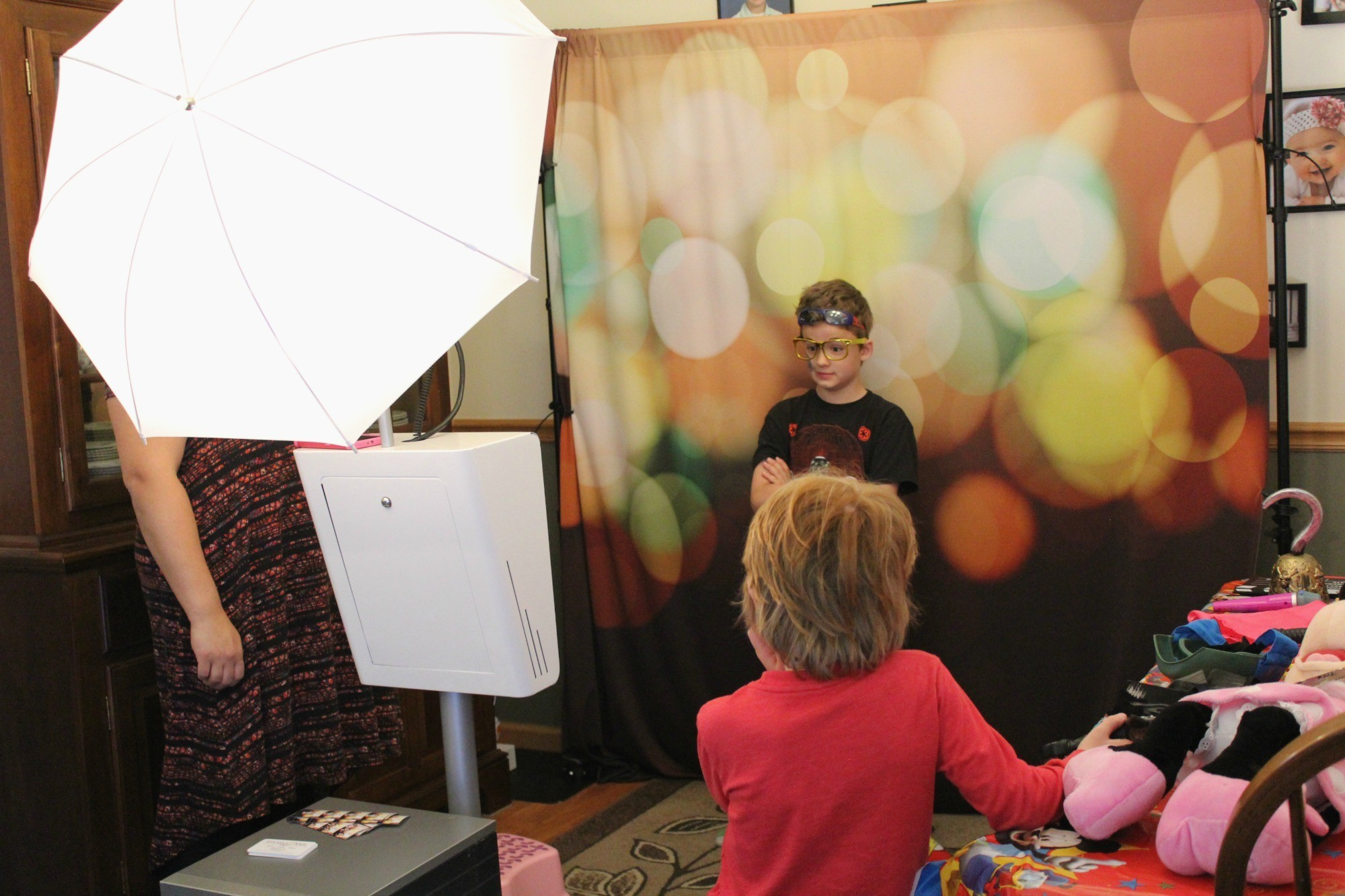 How to Throw a Disney Party with Minimal Crafting Skills Entertainment Studio Veil Photo Booth