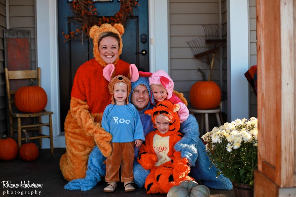 Winner the Pooh and Friends Family Halloween Costume