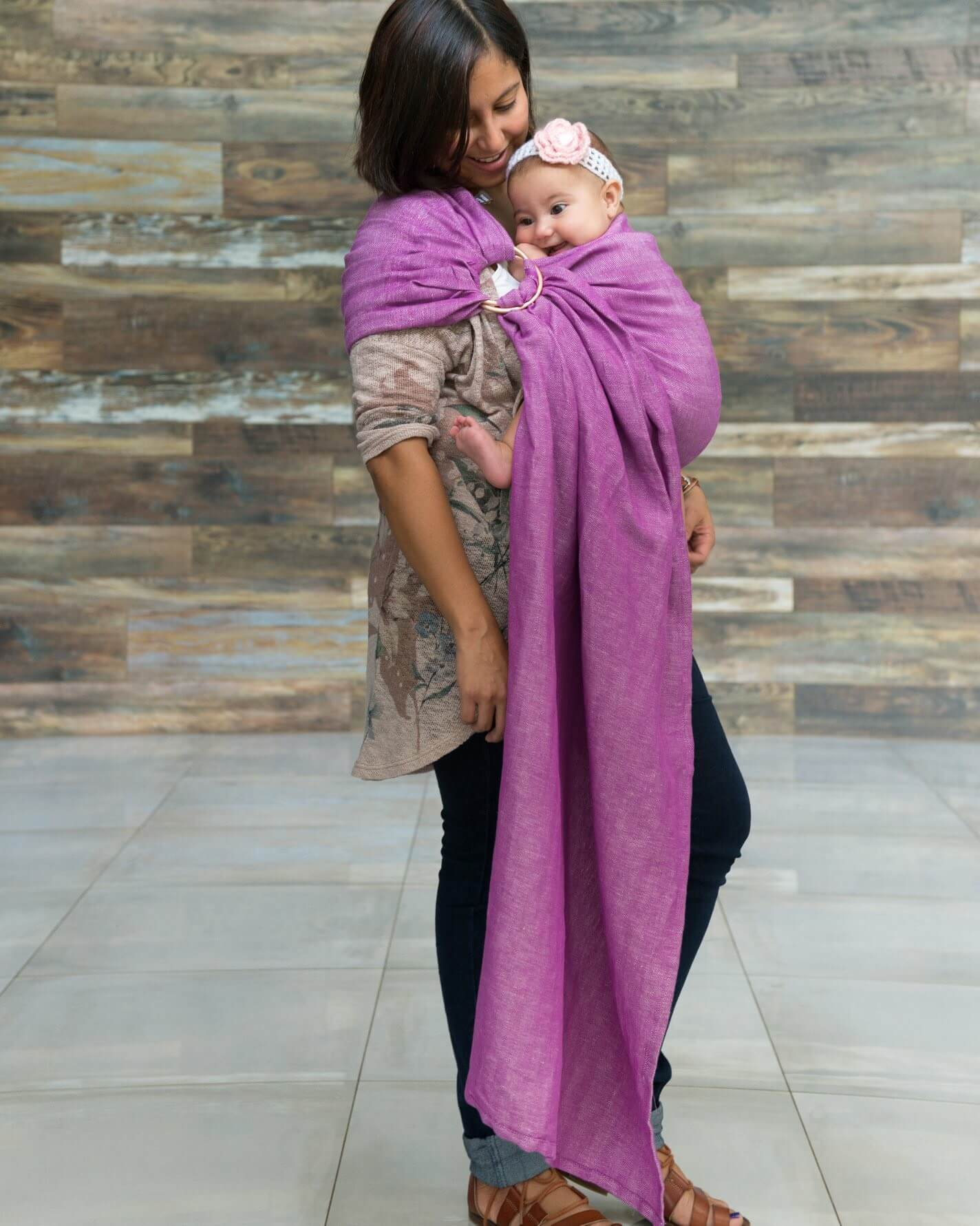 Studio Tekhni Science behind babywearing